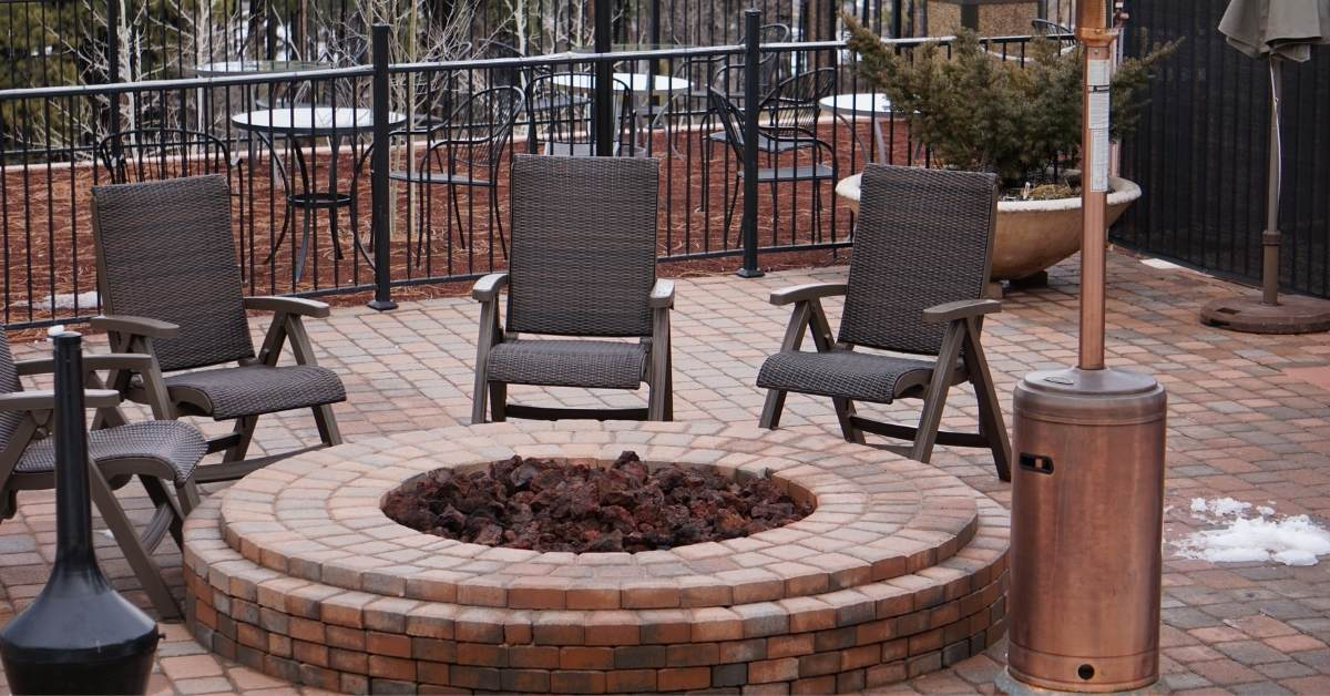 gabion fire pit - All about sustainable and organic gardening tips and tricks. 2021 - Spring Pruning,spring pruning roses,spring pruning clematis,honeysuckle pruning,Best Time To Prune Bushes - https://organicgardeningeek.com/spring-pruning-best-time-to-prune-bushes/